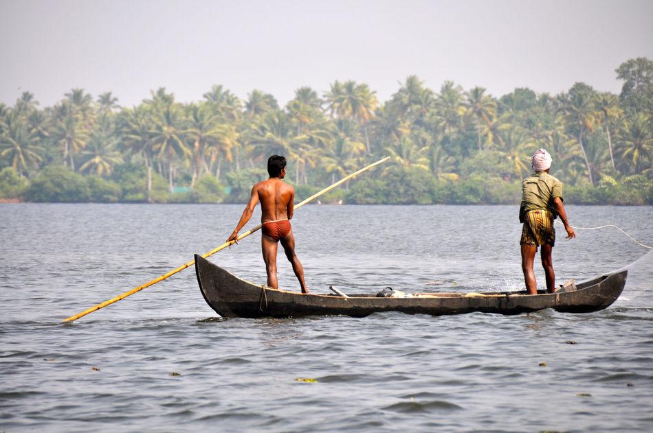 Backwaters Fishermen India Kerala Nautical Vessel Scenics Traditional Tranquil Scene