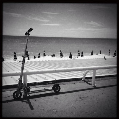 blackandwhite at Promenade des Anglais by AnnMK