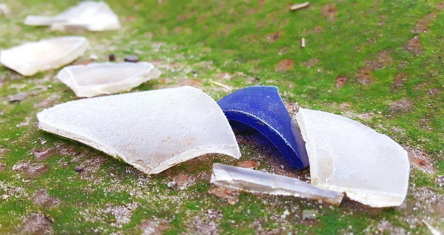 Glas Objects Frost Splits Germany Streetphoto_color Urbanphotography Streetphoto Street Photography Streetphotography German 2016 Day Detailed Macro Macro Photography Macro Beauty Blur Focus On Foreground Foreground Focus Shard Shards Colours Metal Road