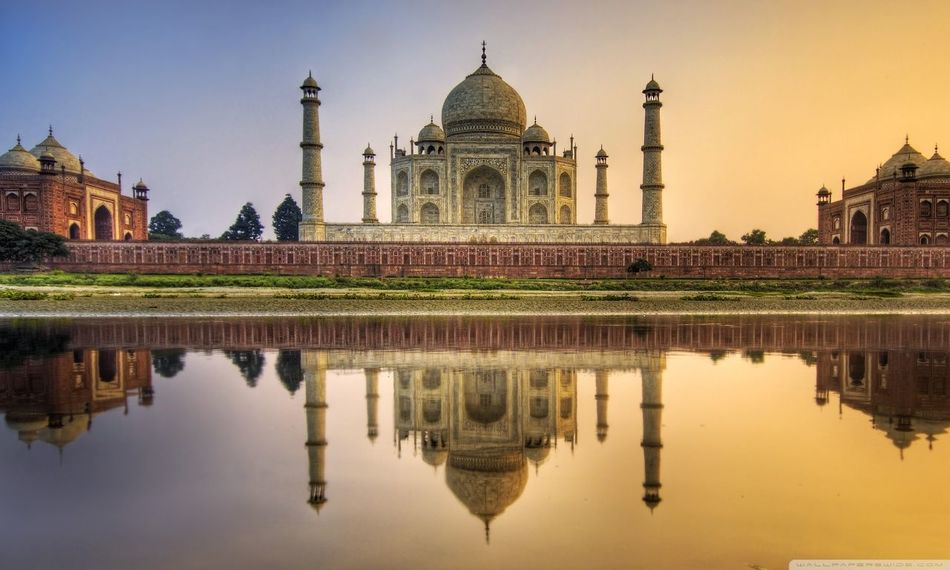 Taj Mahal, Agra, India. Rich Culture Travel Destinations Architecture 🍻☝️👌😍 Travelphotography Holidays💛 Place Of Interest 📷✔💯💫💫♥🌠 Historical Monuments ✌❤ People And Places. 🏰🏤🏯⛪️ Outdoor Travel Photography Funtimes 😃😃😄😄😀😎 Reflection Great Monuments Desi_diaries 🐕 🐦 🌳 ☺