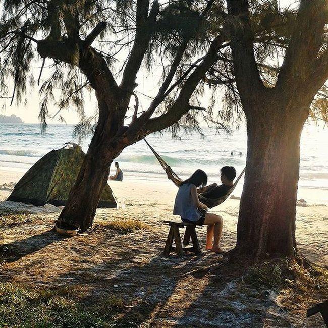 Sunrise at Kohrong Island Kohrongisland Cambodia Wanderlust Travelpic Traveling Travelingram Travellover Azn Sunrise Beachlife Picoftheday Justgoshot Romantic Couple Throwback