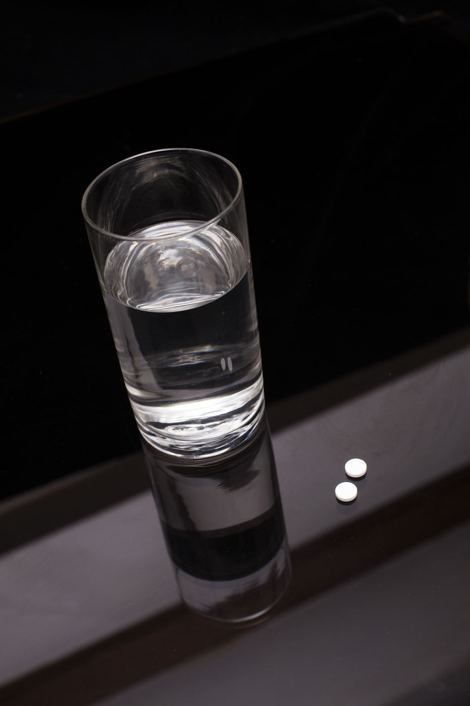 Agua Black & White Black And White Black Background Depession Drinking Glass Glass Of Water Glass Of Water On Table Insomnia No People Pain Killer Pain Killers Pill Pills Vaso De Agua Water Water Reflections