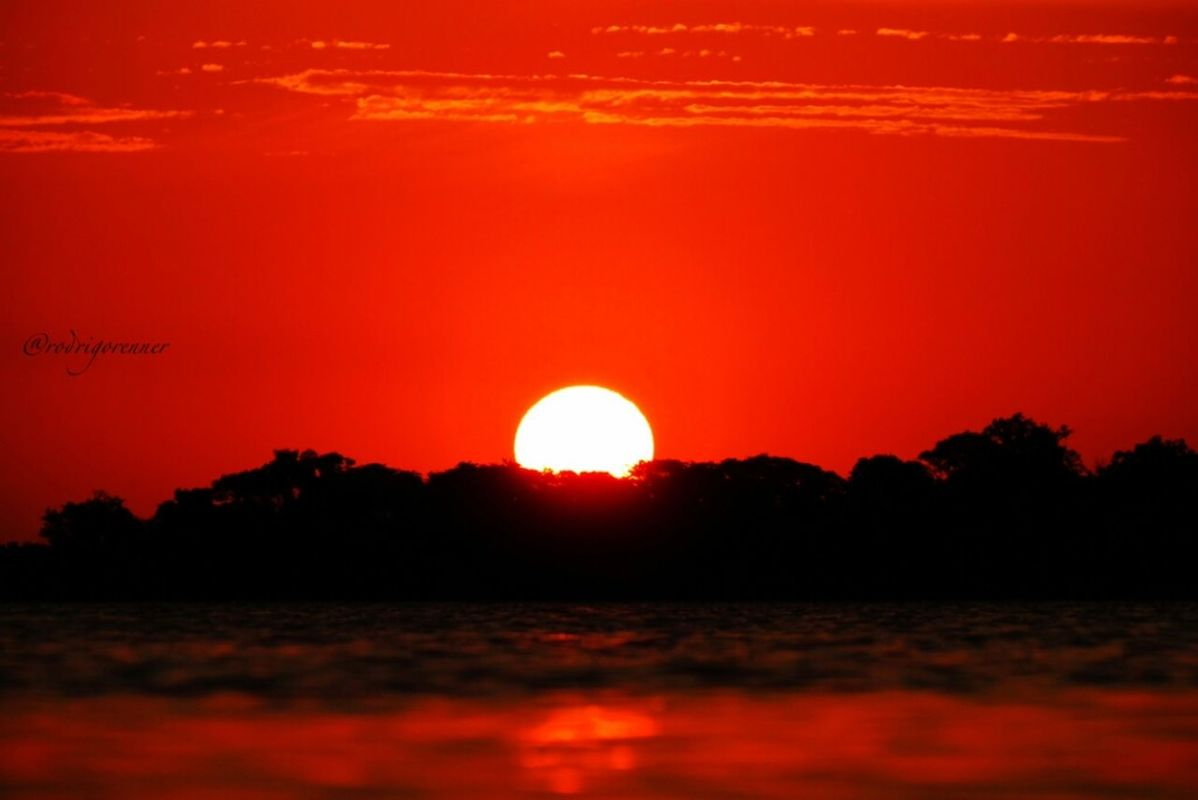 Sunset in Porto Alegre/Brazil Great weekend my friends !!! by Rod