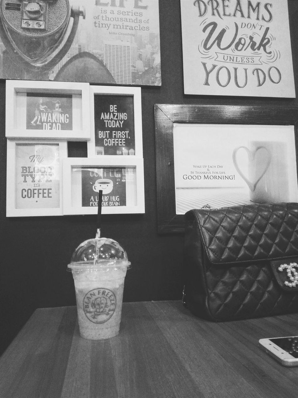 Black&white Frames Photos Bag Aesthetic Calligraphy Quotes Inspiration