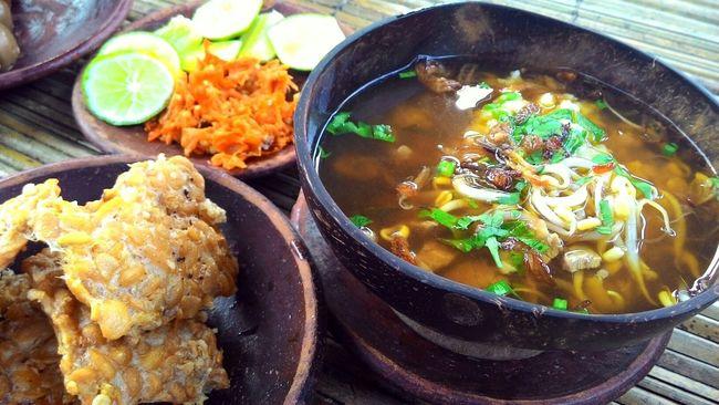 """""""Soto Ayam"""" Indonesian food. Indonesianfood Food Soto Ayam Sambal Delicious Food Eyeemfood"""
