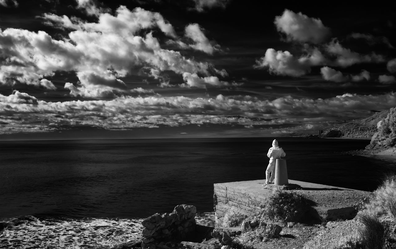 Argonaut Balance Cloud Cloud - Sky Cloudy Dramatic Sky Dusk El Argonauta Escapism Getting Away From It All Horizon Over Water Infrared Photo Infrared Photography Moody Sky Outdoors Overcast Power In Nature Scenics Silhouette Sky Sunset Tranquil Scene Tranquility