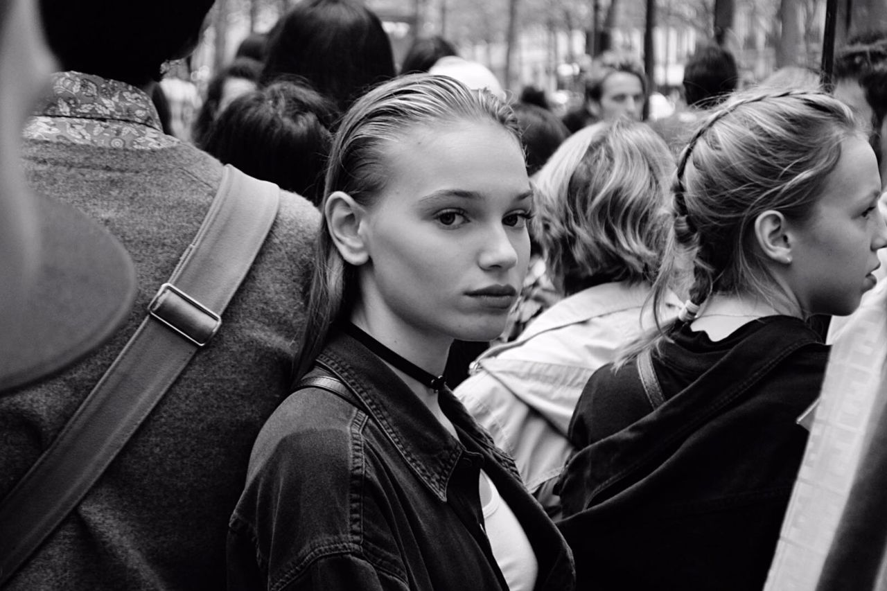 Contre-sens Woman Woman Portrait Outdoors Crowd People Portrait Portrait Of A Woman Streetphotography Fashionweek Street Photography Smile Mode Fashion Togetherness Bnw Looking At Camera