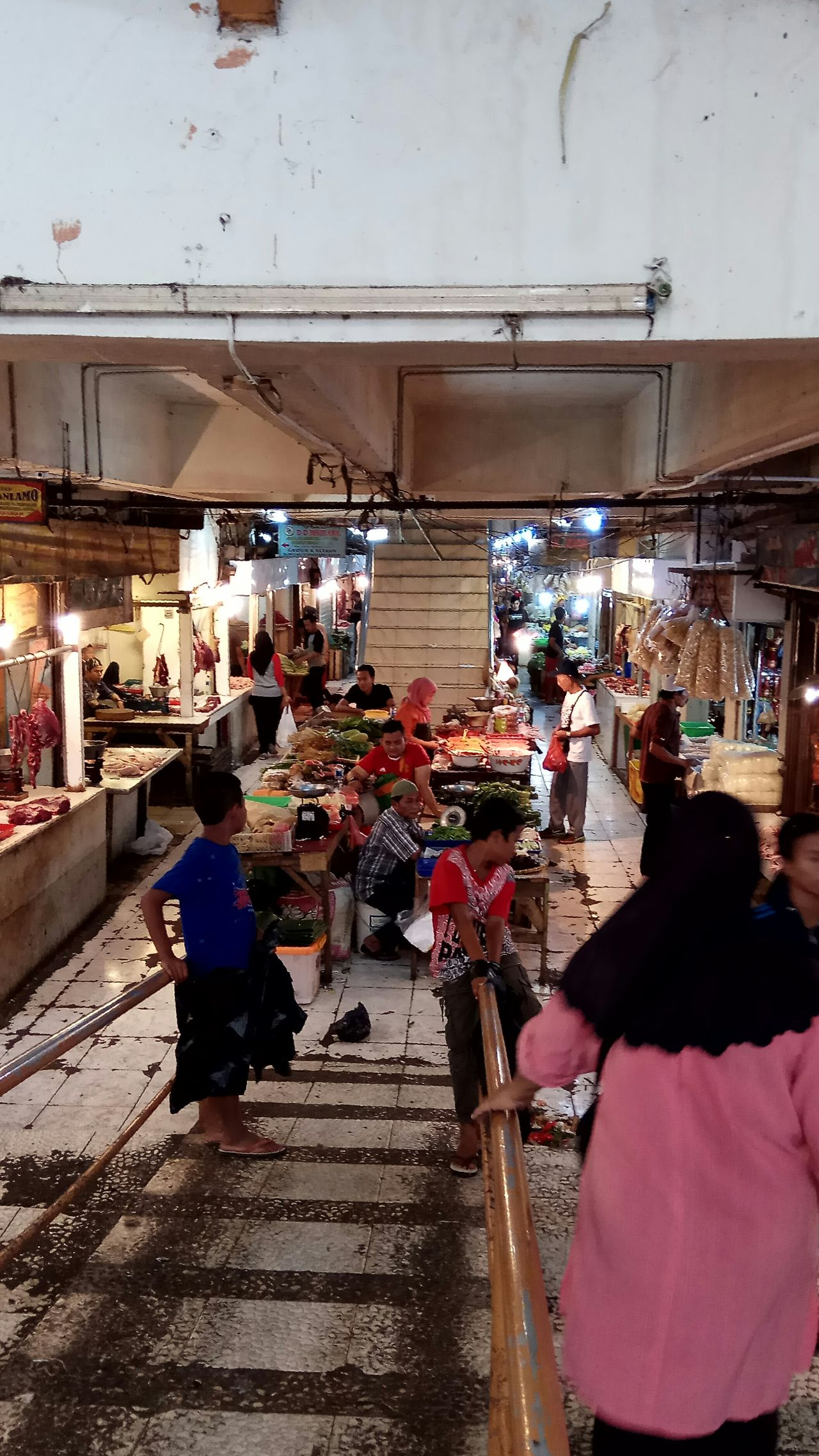tradisional market Adult Architecture Building Exterior Built Structure City City Life Consumerism Crowd Customer  Day Large Group Of People Leisure Activity Lifestyles Market Market Stall Men Outdoors People Real People Retail  Standing Streetphotography Tradisionalmarket Walking Women