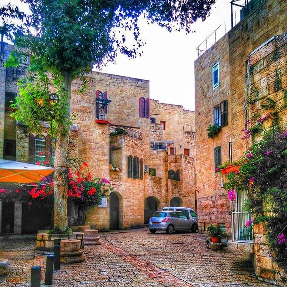 one corner of the Jewishquarter in Jerusalem , Israel