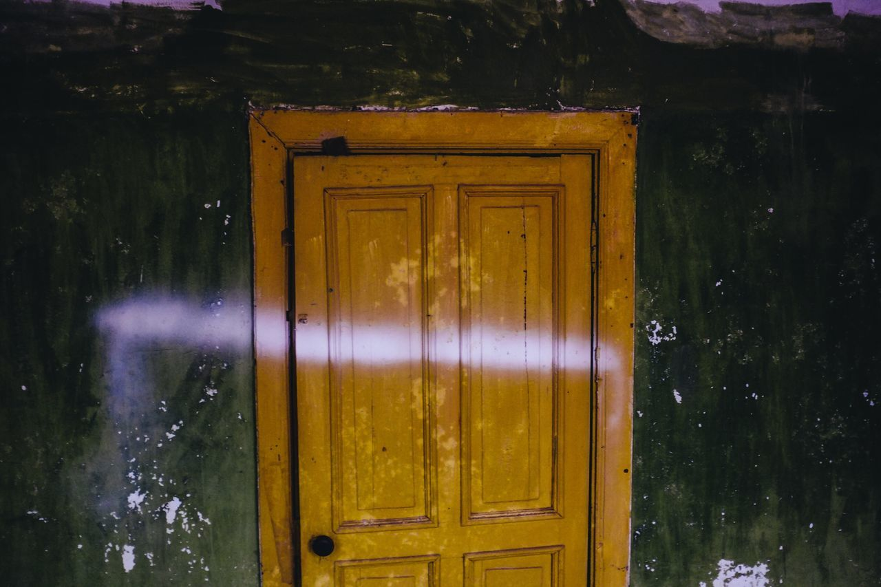 Nature No People Door Yellow Green Wall Indoor Ghost House Jinan,china Old House Scratches Paint Pain Day Architecture