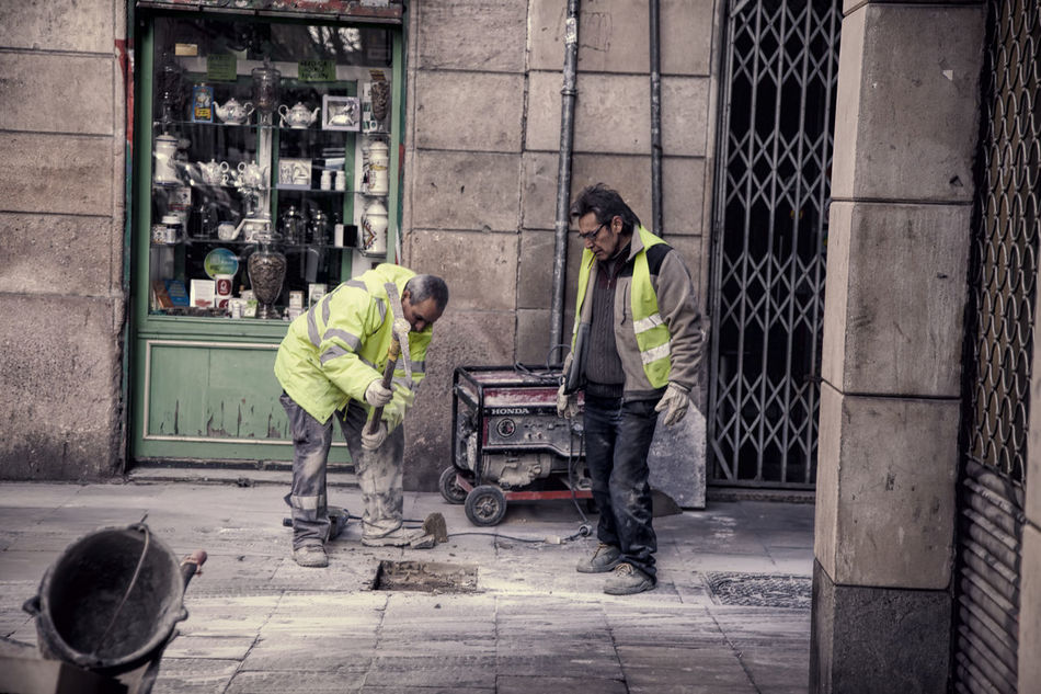 Barcelona, Spain BCNfoto Highview Highvis Lifestyles Men Occupation Pickaxe Real People Streetphotography Streetwork Vintage Close Up Street Photography