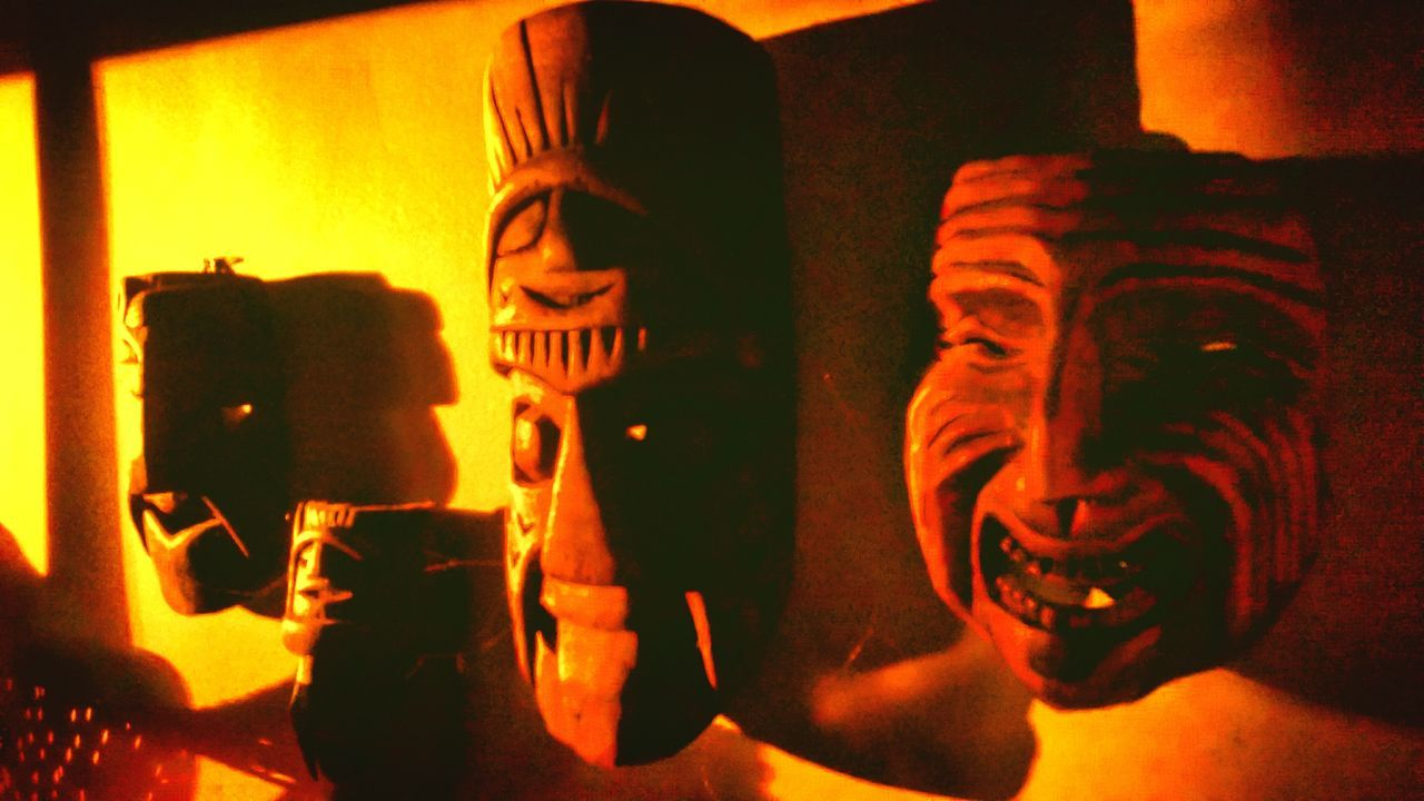 Spirits at sunset 🌅🗿 Indoors  Mask_collection Sunset Mask Art Photography No People Strange Things Spirit House Vintage Masque Esprit Decoration Decor Light And Shadow Light Lighting