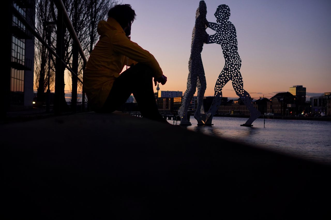 Sunset Real People Silhouette City Leisure Activity Men Lifestyles Outdoors Sky Night People Enjoying Life Looking Into The Future Looking To The Other Side Only Men Enjoying The View Adults Only One Person Berlin City Life Cityscape Silhouette