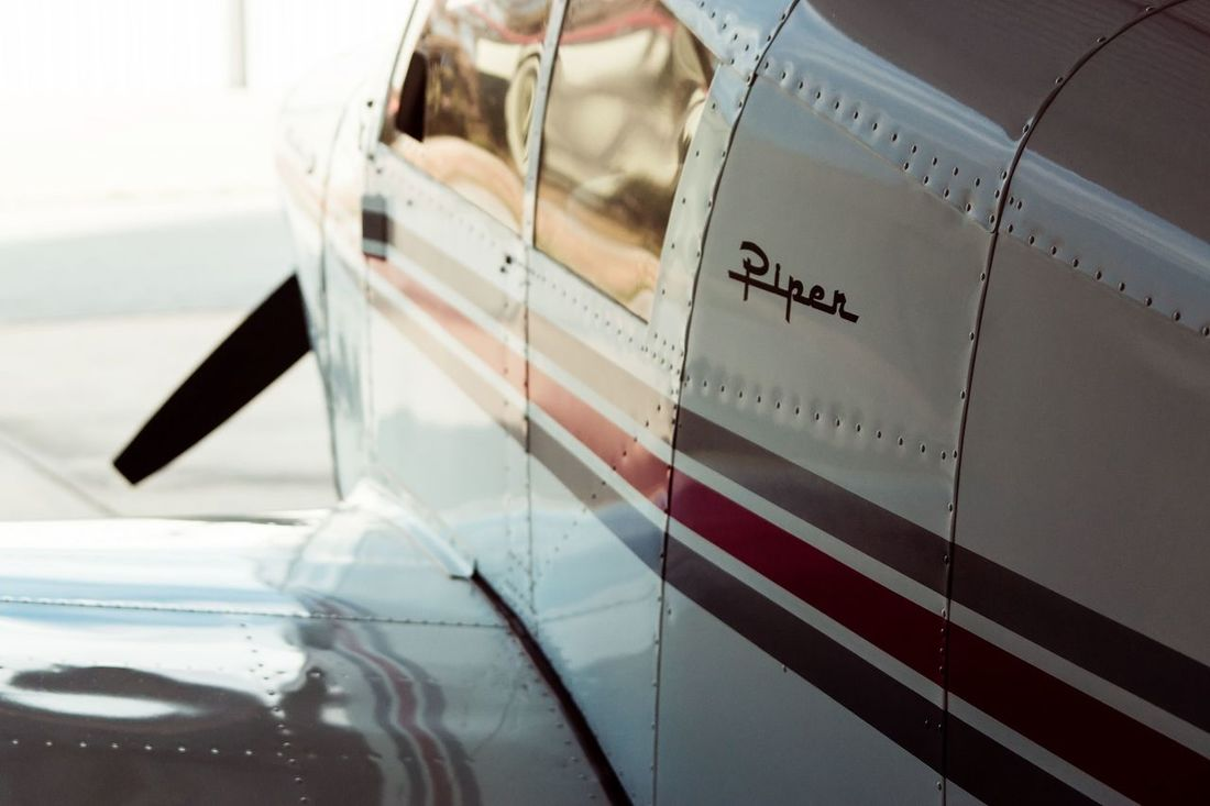 Piper plane Planes Flying