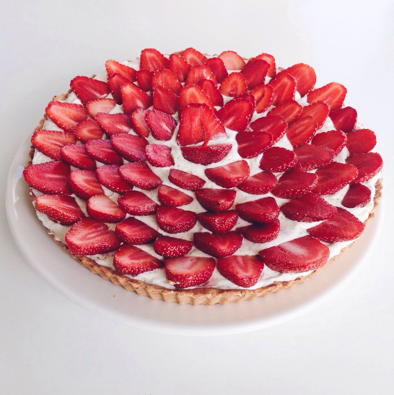TarteAuxFraises Strawberries Strawberry Cake Whipped Cream Red Fruit Food And Drink Sweet Food Indulgence Dessert Close-up No People Temptation Ready-to-eat Naschen  Lifestyle Photography Minimalist White Background Pie Homemade Baked Tarte Gourmet Gourmandise Frenchpastry