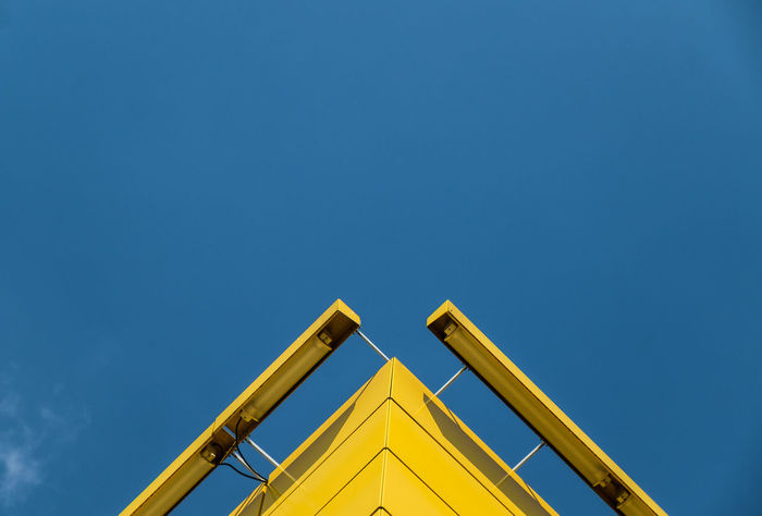 Sundaylookup Architecture_collection Minimalist Architecture Architectural Detail Architectural Feature Blue Clear Sky Copy Space Fujix_berlin Fujixseries Lookingup Low Angle View Minimalism Minimalist Photography  Minimalistic Minimalobsession No People Outdoors Ralfpollack_fotografie Sky Sundaylookup Yellow The Graphic City