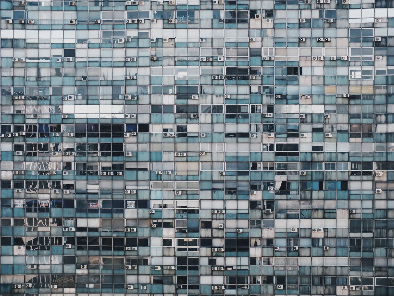 mil ventanas (Thousand windows) Architecture Building Exterior Built Structure Full Frame City Modern Building Story Outdoors Architectural Feature Photooftheday Windows Geometric Shape Landscape Showcase: October Photography Foto Photoshoot Photo Scenics No People Architecture The Week On EyeEm Minimalist Architecture The Architect - 2017 EyeEm Awards