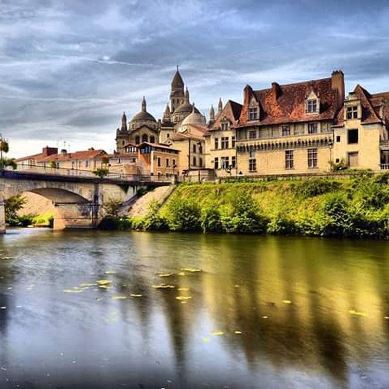 Le pont des barris à perigueux avec la cathedrale saint front et la maison des consuls... Périgueux Dordogne Perigord First Eyeem Photo