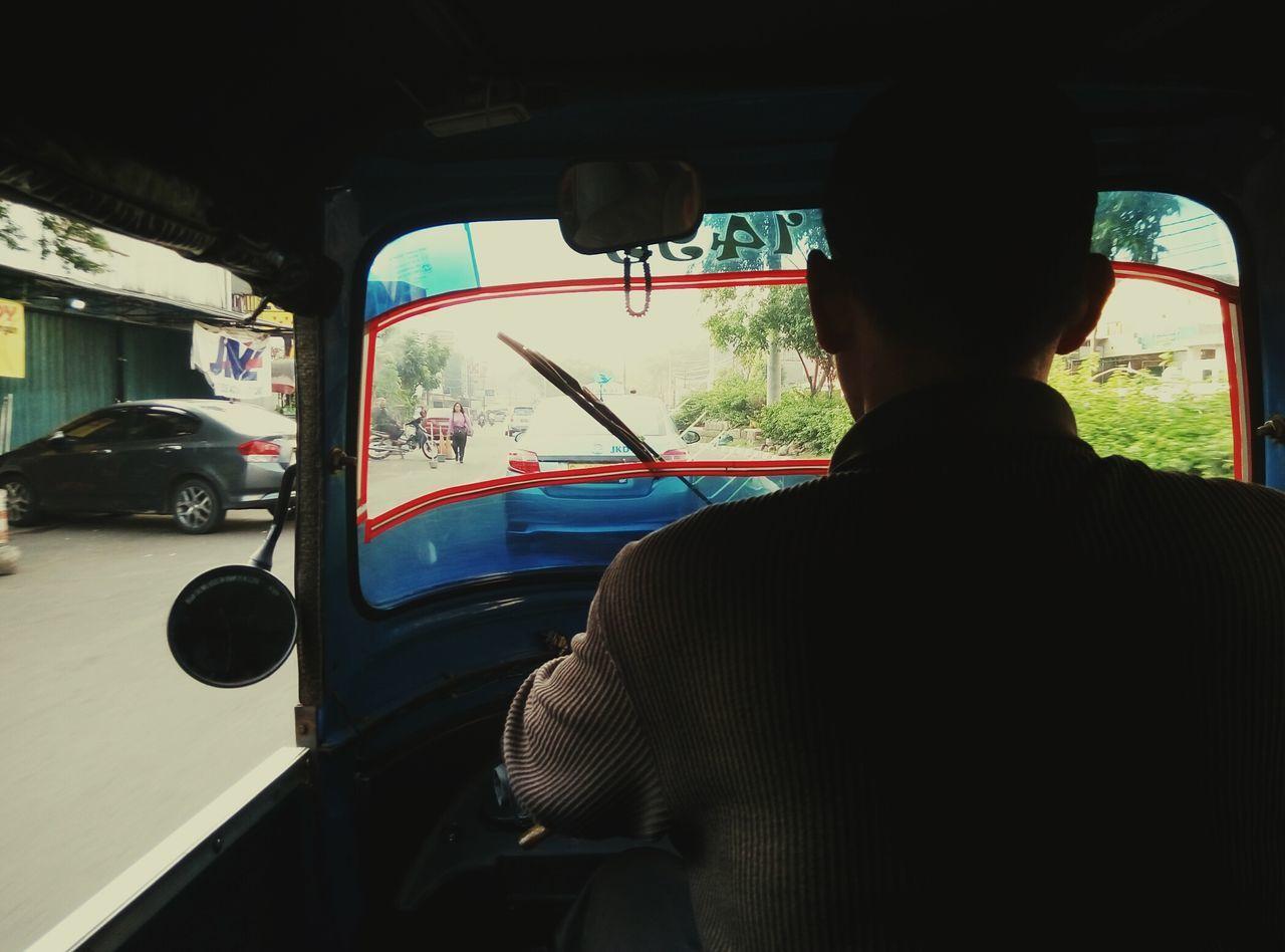 Mengais Rejeki Jakarta Bajaj