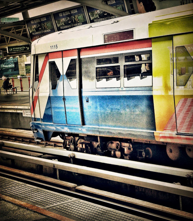 Waiting at Bangkok by @naka1978