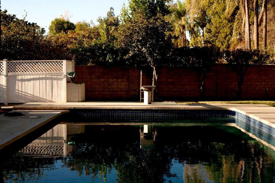 Suburban melancholy Swimmingpools California Canon5D