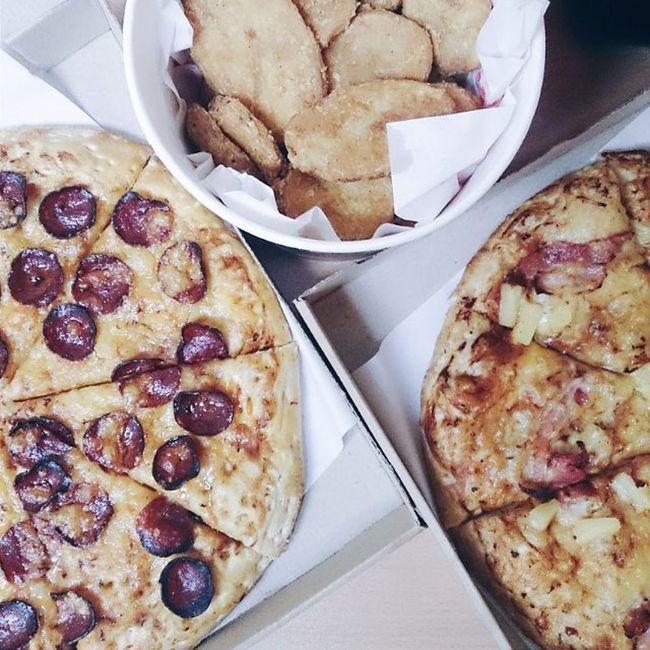Eatwithdeyon Foodgasm Foodporn Foodbeast Foodbest VSCO Vscocam Vscofood Philippines Eatwithmeph Foodie Instafood Pizza Wheninmanila Foodspotting Foodaholic Pizzaaddict