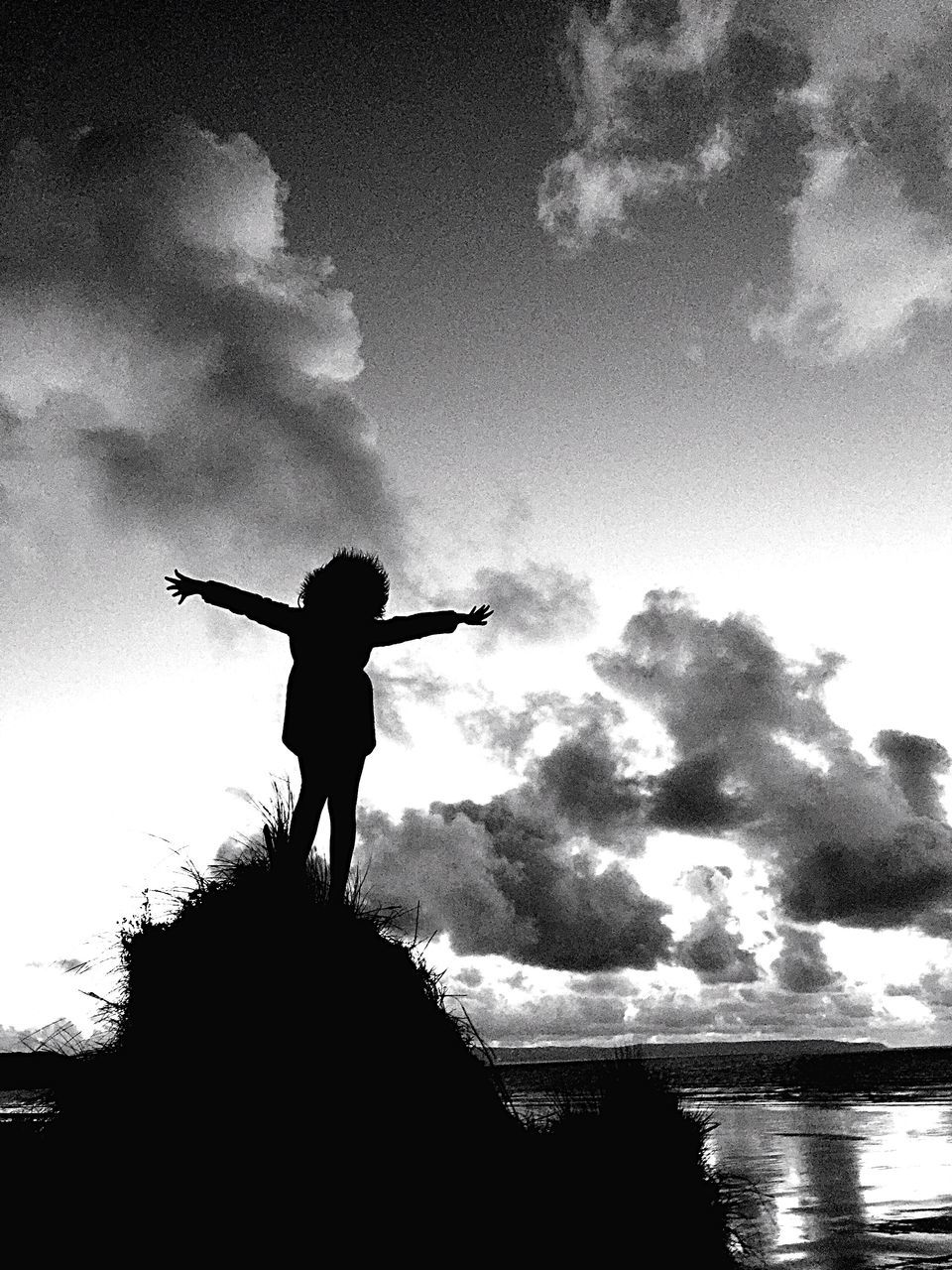 sky, standing, silhouette, men, cloud - sky, real people, one person, water, day, outdoors, nature, full length, one man only, people