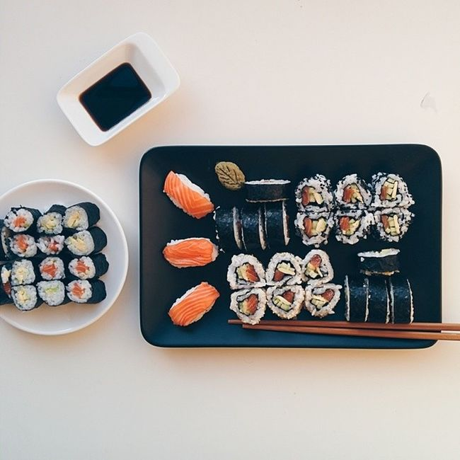 Did anyone say homemade Sushi? 🙏🍚 Foodiesfeed Food Foodsii Foodstagram foodgram instafood foodlove foodporn foodstyling foodie eatclean wholefood healthy healthyfood foodphotography nexus5 vsco vscocam vscogood vscofood vsco_food instagood tasty delicious heaveninmouth feedfeed sushi