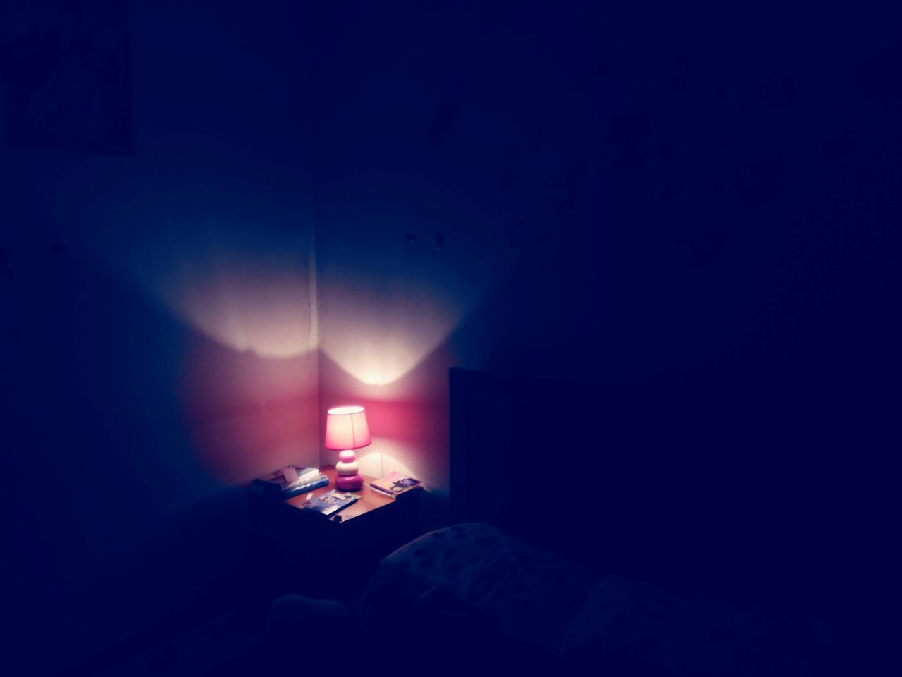 illuminated, indoors, bed, lighting equipment, dark, bedroom, no people, home interior, night