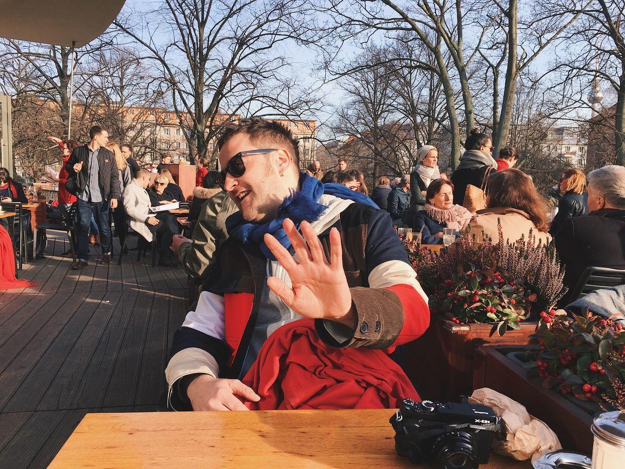 no photos pls Casual Clothing Human Hand Outdoors Restaurant Smiling Sunglasses