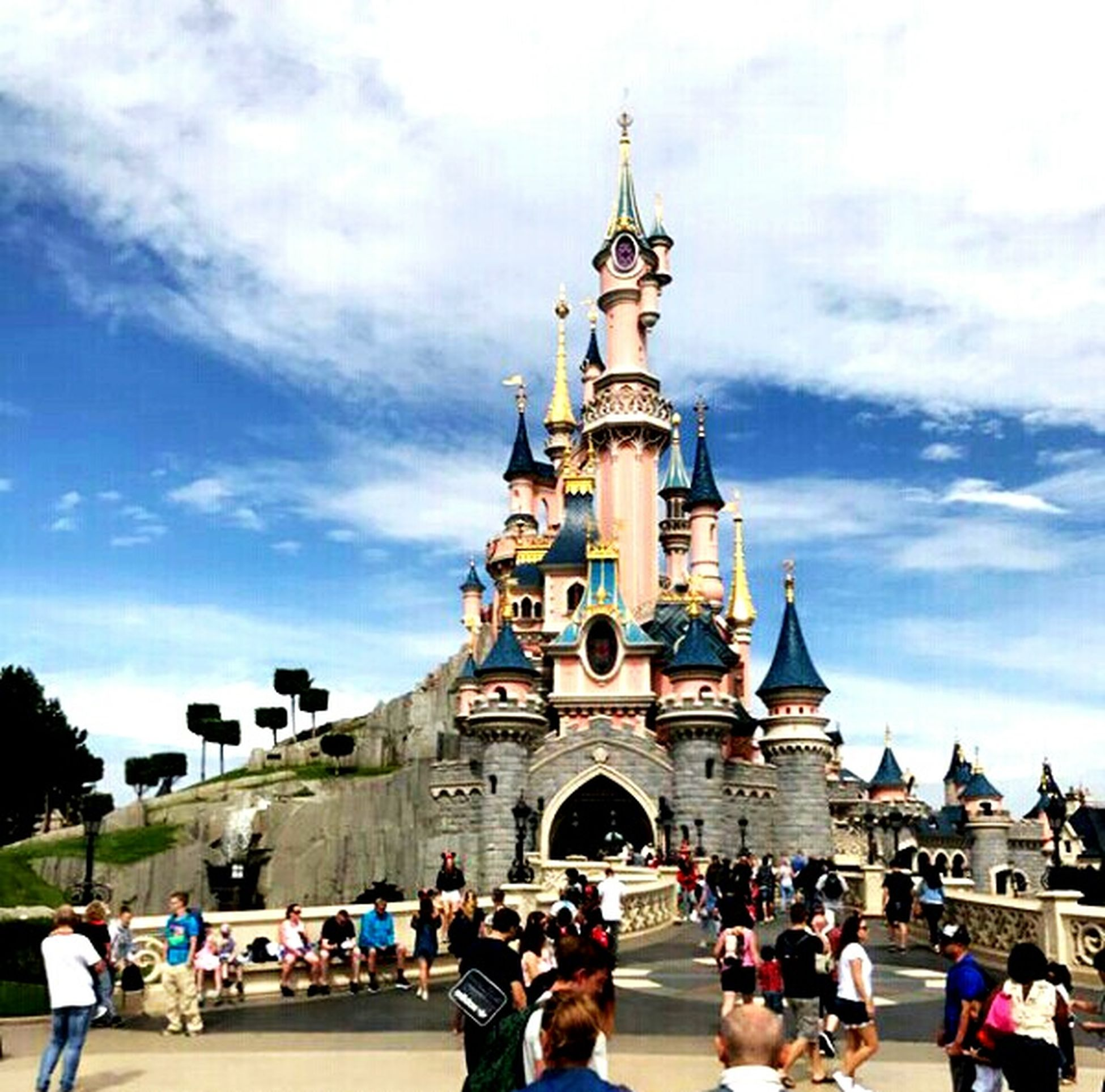 Paris Disneyland🙌😊🗼⛅🙈☝ Architecture Travel Destinations City Day Sunny Travel Paris, France  Summertime Photo Enjoyment Vacations Cloud - Sky Parisdisneyland Disneyland Paris DREAMTEAM First Eyeem Photo