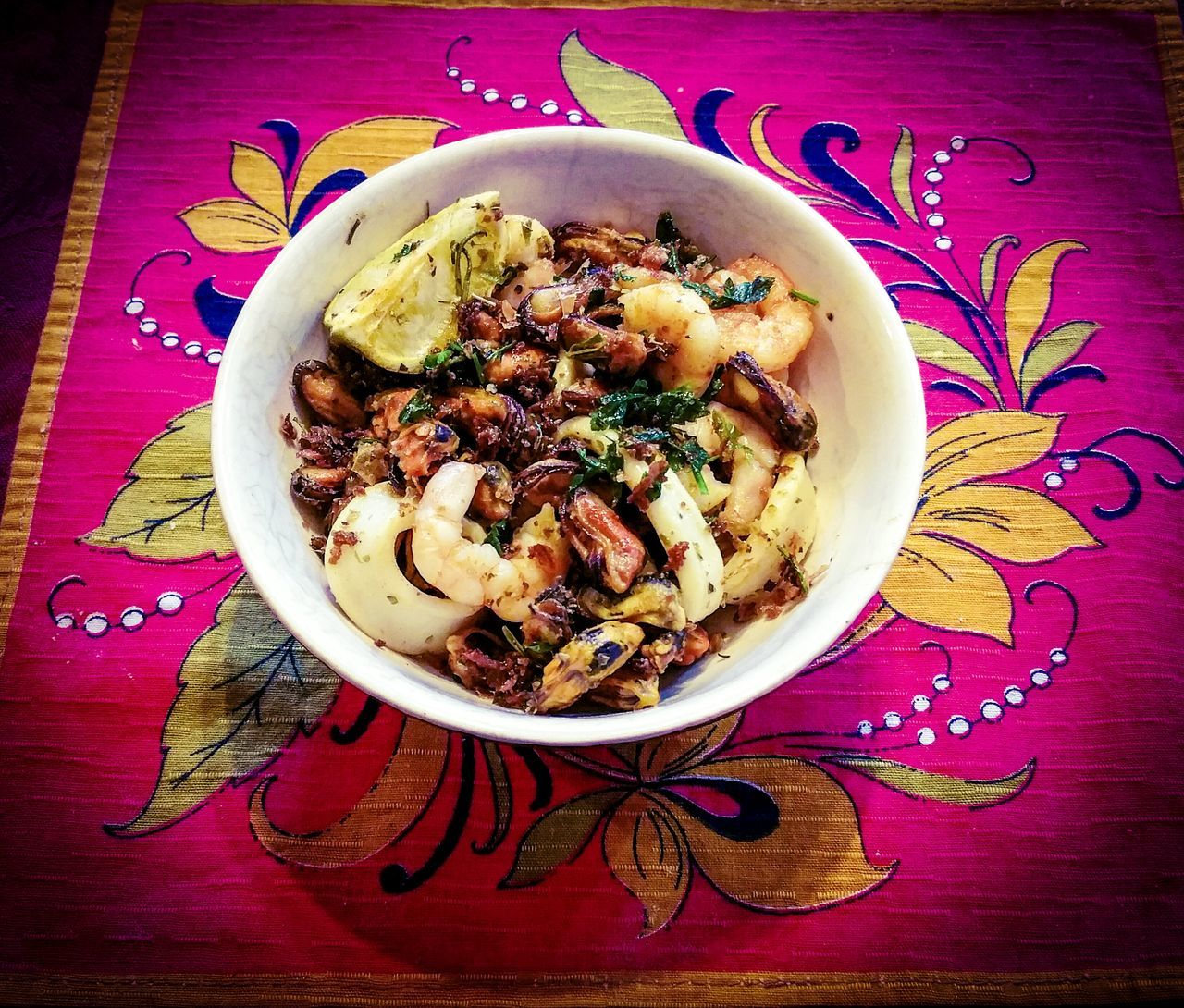 Fried Seafoods with Lime Wedges Healthy Eating Food Food And Drink Ready-to-eat Bowl No People High Angle View Plate Indoors  Directly Above Freshness Serving Size Day Folk Pink