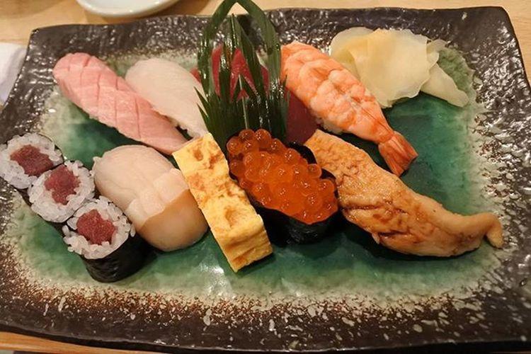 일본 나리타공항 초밥 맛있당 비쌈주의 슬픔 먹고나서 같은구성 반값발견😂😂😂😂😂😂