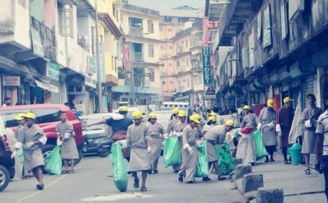 Collected Community School Students Cleaning Phuntsholing Town Bhutan My Country