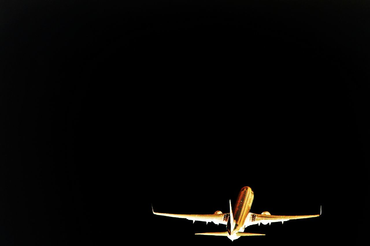 Adventure Airliner Anticipation Arid Arid Climate Barren Black Backdrop Black Background Brown Clear Sky Composition Copy Space Departing Escape Escaping Fly Away FootPrint Glowing Goodbyes Ideas Imagination Mystery Negative Space Taking Photos Travelling ✈