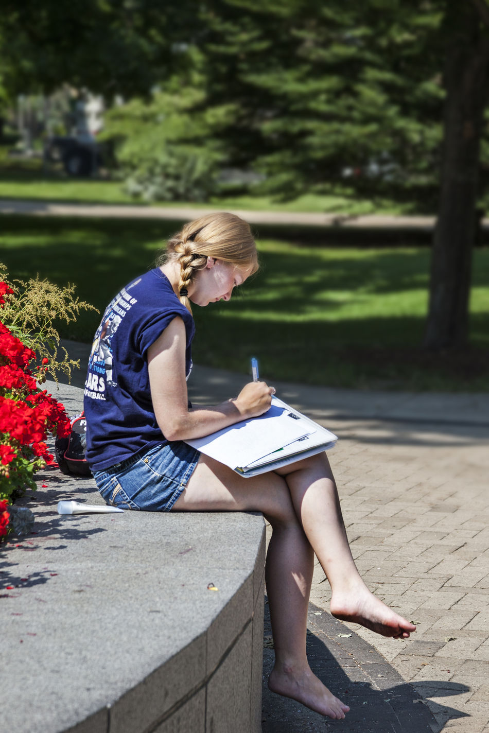 University of Notre Dame USA Color Green Blue Sky Culture Education Green Grass Science And Technology Tree Vertical Composition Campus Christian Famous Knowledge Lawn College Students Female College Students Girl Learn Outdoor Religion Sunny Day University Of Notre Dame USA