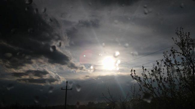 Rain ♥ Rain Is Boring Cold Rain 🌂 I Hate It. Window Art Sad Weather