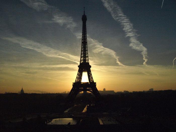 Paris Eifel Tower Eifelturm Franch Himmel Light Paris Paris ❤ Paris, France  Sky Sonne Sonnenaufgang Sonnenuntergang Sun Wolken Wolkenhimmel