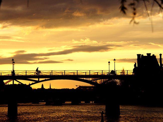 Alternative Fitness EyeEm Gallery EyeEm Best Shots - Sunsets + Sunrise Sunset Silhouettes Sunset Silouette & Sky Bike Paris Hello World Check This Out Sunset Madness Streetphotography