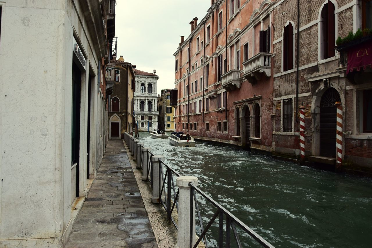 Venezia #venice Veneziadavivere Venezia.italia Veneziagram Venezia Canals Venezianascosta Canale  Canal