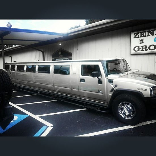 My cousin as well as my nephews arrived at her quinceñera in style. (How come I didn't get a limo when I was 15?) Birthday 15 Limo Quinceñera party
