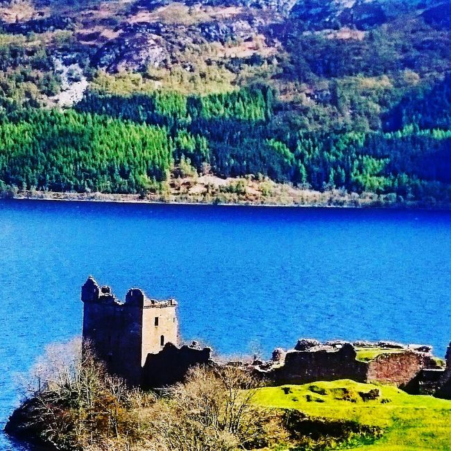 Bonny Scotland . UrquhartCastle Check This Out Hello World Enjoying Life Hanging Out World Nature Photography The Essence Of Summer Scottish Highlands Trip Photo Relaxing