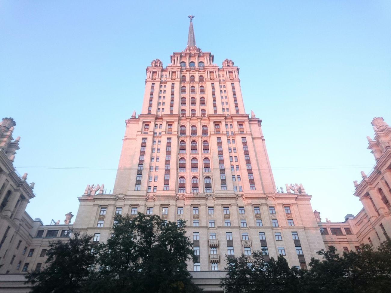 Внутренний дворик гостиница украина Radisson Royal Radisson Закат сталинская высотка ампир