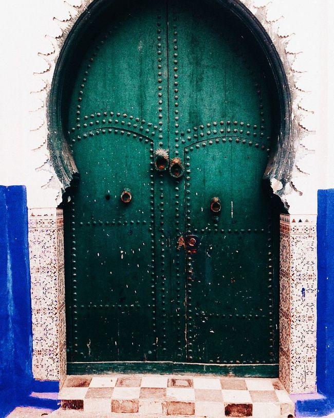 Moroccan door Architecture Building Exterior Doors DoorsAndWindowsProject Doorporn Doors Lover Green Tiles Closed Architecture Built Structure Building Exterior Day Blue Circle First Eyeem Photo
