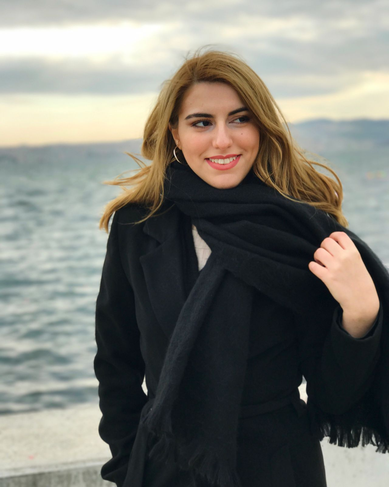 Portrait Sea Smiling Sky One Person Happiness Day Young Women Beauty In Nature Izmir Photography Fashion Fashion&love&beauty Lifestyles Stylish Style Girl Women Black Fashion Photography Fashionable Love City Girl Photography Women