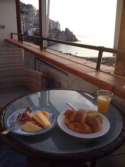 아말피 첫 아침식사