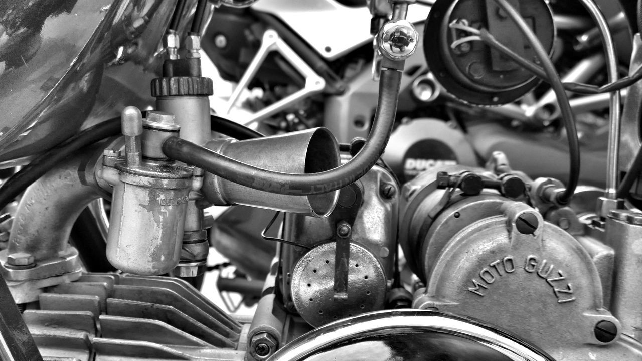 Vintage Hitech Mode Of Transport Transportation Business Finance And Industry Machine Part Engine Technology Vehicle Part Industry Land Vehicle Gear Outdoors Close-up Art Is Everywhere Lumia1020 Nokia  The Great Outdoors - 2017 EyeEm Awards The Street Photographer - 2017 EyeEm Awards Live For The Story Streetphotography Mobile Photography Blackandwhitephotography Bnw_magazine