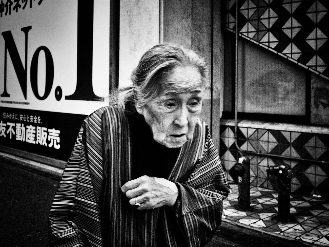 トーキョー・ブルース ~Tokyo Blues~ Sting_the_street Streetphotography Tokyo Streetphotographers SHINJYUKU Streetphotographer Streetphoto_bw Streetphoto Shibuya Street