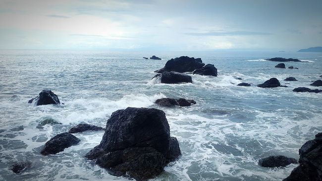 Traveling EyeEm Best Shots Rocks And Water Rocks Volcanic Rock Volcanic  Pacific Photography Photograph Calm Sooth Landscape Landscape_Collection Seascape Seascape Photography OSA EyeEm Gallery Perksofthejob Travel Agent Life Travel Agent