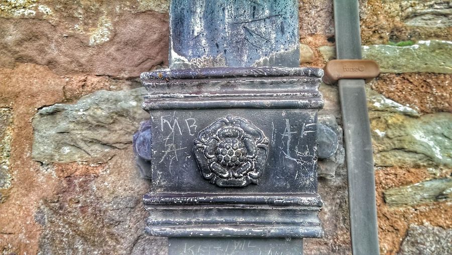 Welshpool Tudor Rose Leading Lines Led By Edits... Old Ages Historical Monuments Graffiti The World Historically Yours Beauty In Ordinary Things Powys Castle Welshpool
